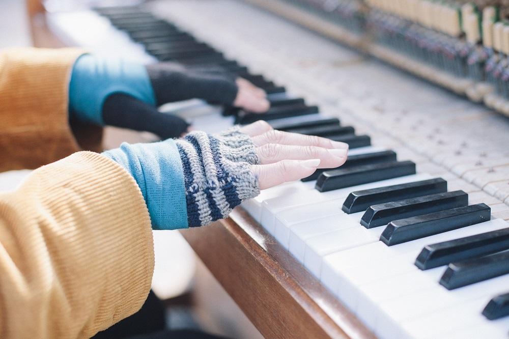 Električni ili akustični klavir